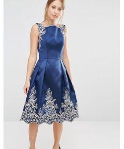 Chi Chi London | Платье Миди С Вышивкой И Отделкой Кромки Премиальным Кружевом Металлик Chi