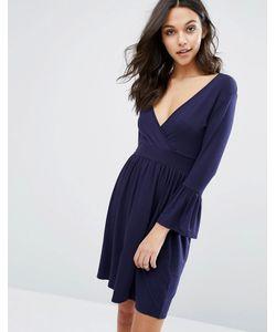 boohoo | Короткое Приталенное Платье С Запахом И Расклешенными Манжетами