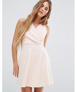 Wal G   Короткое Приталенное Платье