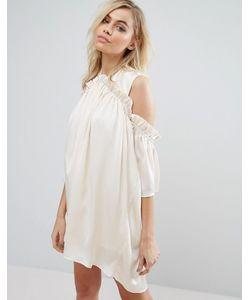 Fashion Union | Платье С Открытыми Плечами И Рюшами