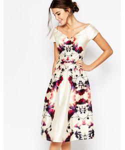 Chi Chi London   Атласное Платье Миди Для Выпускного С Глубоким Вырезом