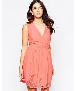 Lavand. | Короткое Приталенное Платье С Кружевом И V-Образным Вырезом Lavand Sl