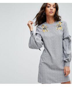 Fashion Union Tall   Платье С Цветочной Вышивкой И Оборками На Рукавах