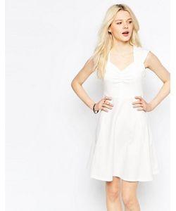 b.young | Короткое Приталенное Платье С Вырезом Сердечком