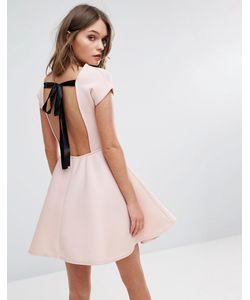 boohoo   Короткое Приталенное Платье С Бантом На Спине