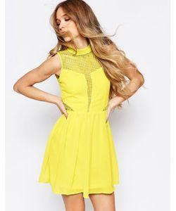 Liquorish | Короткое Приталенное Платье С Кружевными Вставками Желтый