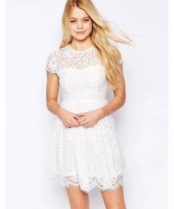 Glamorous | Короткое Приталенное Платье С Высокой Горловиной И Кружевом Кремовый