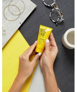 Nip+Fab | Маска-Лифтинг Для Лица С Пчелиным Ядом Bee Sting Fix