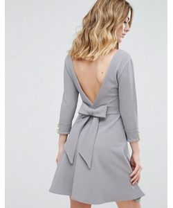 Club L | Короткое Приталенное Платье Из Крепа С Бантом На Спине
