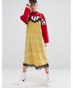 STYLE NANDA | Бархатное Платье Миди На Бретельках С Контрастным Кружевом Stylenanda