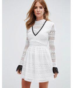 Millie Mackintosh | Кружевное Короткое Приталенное Платье С Высокой Горловиной
