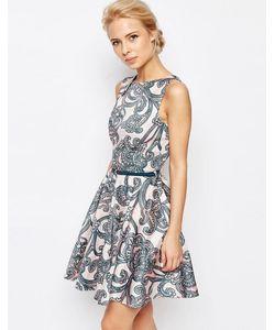 Closet | Короткое Приталенное Платье С Поясом И Цветочным Принтом