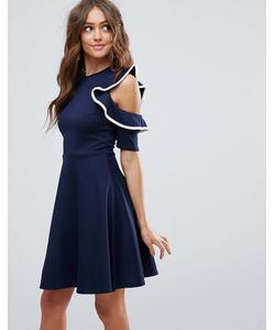 Club L | Короткое Приталенное Платье С Вырезами На Плечах И Оборками С Контраст