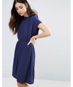 Minimum | Короткое Приталенное Платье С Короткими Рукавами