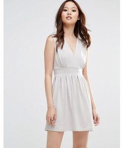 Wal G   Платье С Глубоким Вырезом