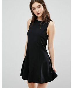 Qed London | Короткое Приталенное Платье С Кружевной Отделкой