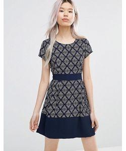 Wal G | Короткое Приталенное Платье С Геометрическим Принтом