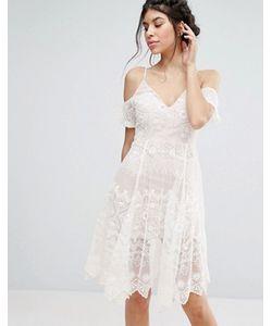 Love Triangle | Кружевное Платье Миди С Открытыми Плечами