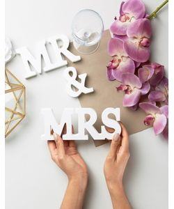 Sass & Belle   Буквы Mr Mrs
