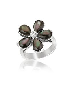 Del Gatto | Diamond And Black Mother-Of-Pearl Flower 18k Gold Ring