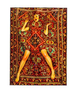 SELETTI WEARS TOILET PAPER | Ковёр Lady On Carpet