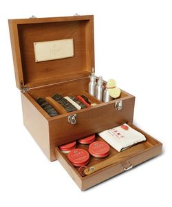 TURMS | Complete Shoe Care Kit With Wood Case Light