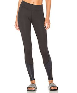 Beyond Yoga | Glass Curved Side Legging