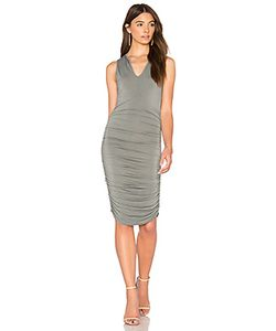 krisa | Split V Dress