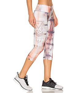 onzie | Graphic Capri