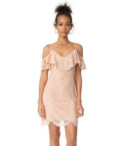 WAYF | Кружевное Платье Luxia С Открытыми Плечами И Оборками