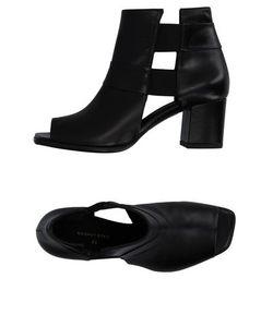 T&F Slack Shoemakers London | Сандалии