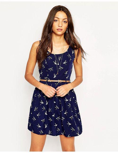 Yumi | Синее Короткое Приталенное Платье С Птицами И Ремнем