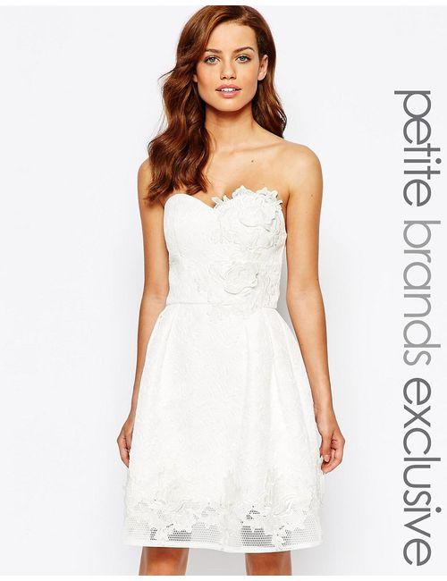 Chi Chi Petite | Женское Белое Платье Для Выпускного С Цветочной Аппликацией Chi