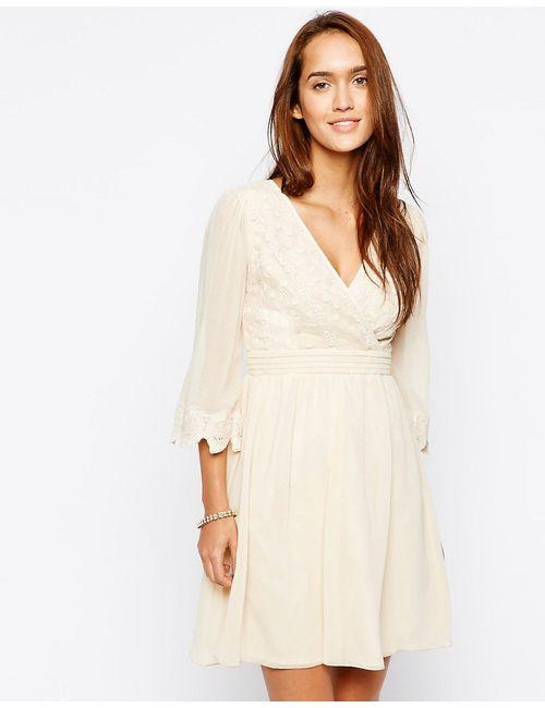 Little Mistress | Женское Кремовое Платье С Запахом Спереди И Отделкой Кроше