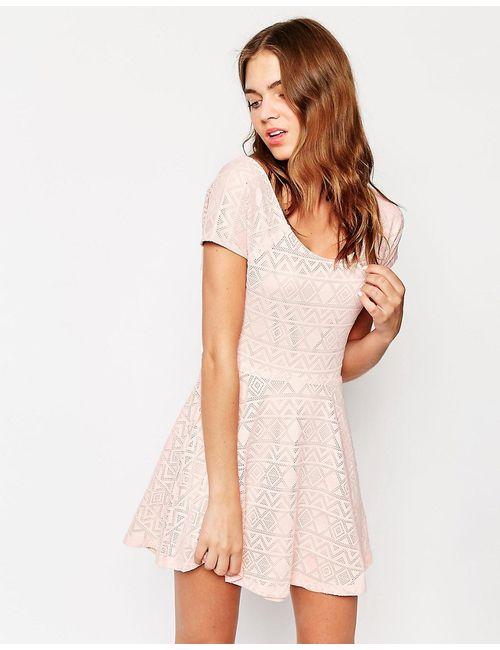 Club L | Женское Розовое Короткое Приталенное Платье Из Кружевной Ткани С
