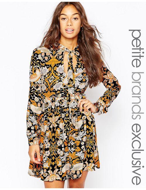 Glamorous Petite | Многоцветное Короткое Платье С Цветочным Принтом И Шарфом