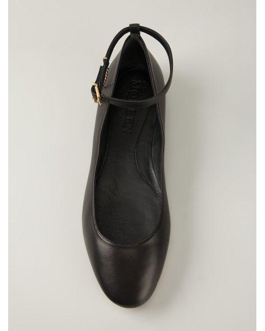 Балетки С Ремешком На Щиколотке Alexander McQueen                                                                                                              чёрный цвет