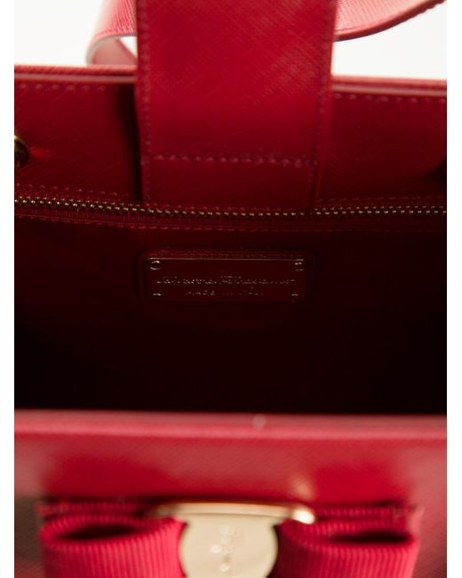 Сумка-Тоут Vany Salvatore Ferragamo                                                                                                              красный цвет