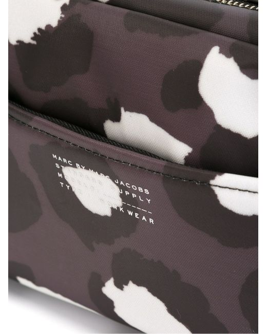 Косметичка С Принтом Marc by Marc Jacobs                                                                                                              серый цвет