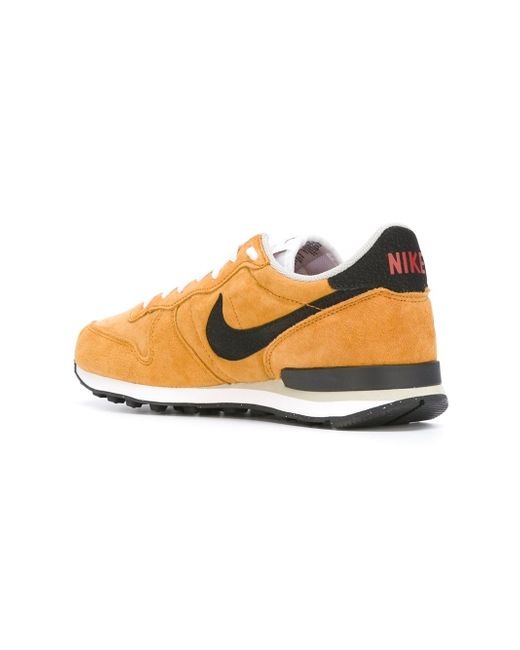 Кроссовки Internationalist Nike                                                                                                              желтый цвет