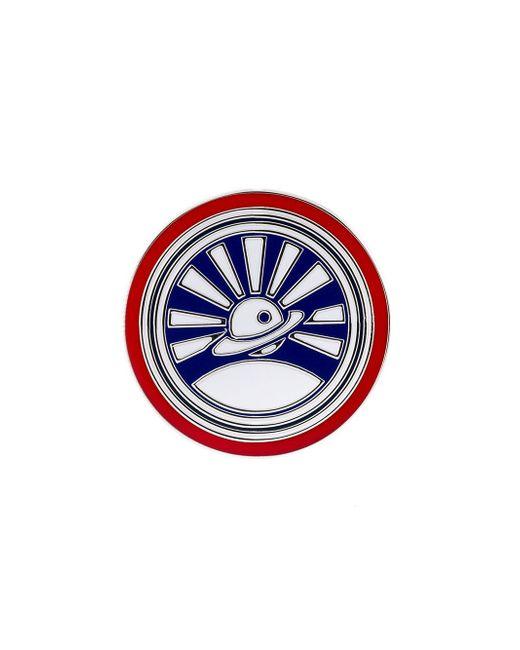Saturn Pin Loewe                                                                                                              красный цвет