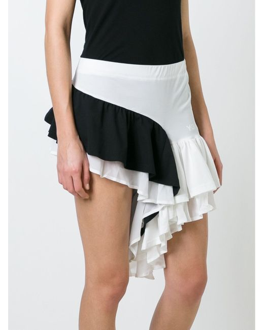 Ruffled Contrast Panel Shorts Y-3                                                                                                              белый цвет