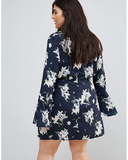 Платье С Расклешенными Рукавами И Цветочным Принтом Missguided Plus                                                                                                              синий цвет
