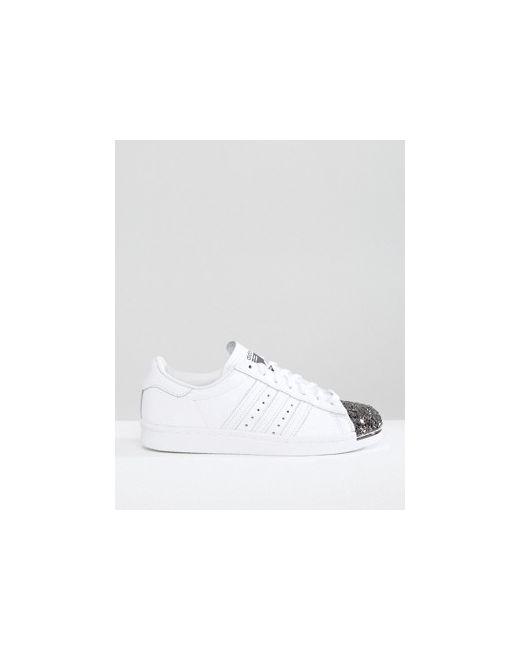 Белые Кроссовки С Металлической Вставкой На Носке Adidas                                                                                                              None цвет