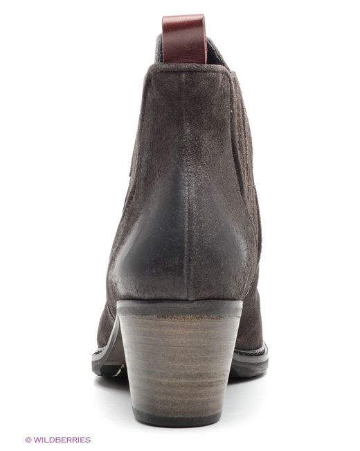 Ботинки Hugo                                                                                                              коричневый цвет