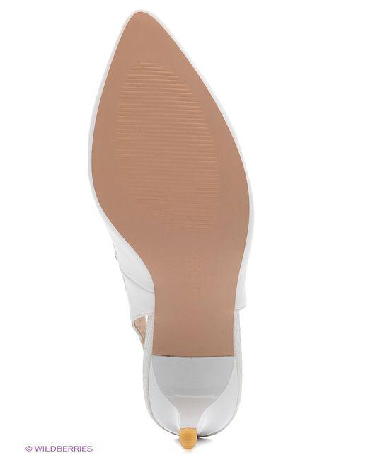 Туфли J&Elisabeth                                                                                                              белый цвет