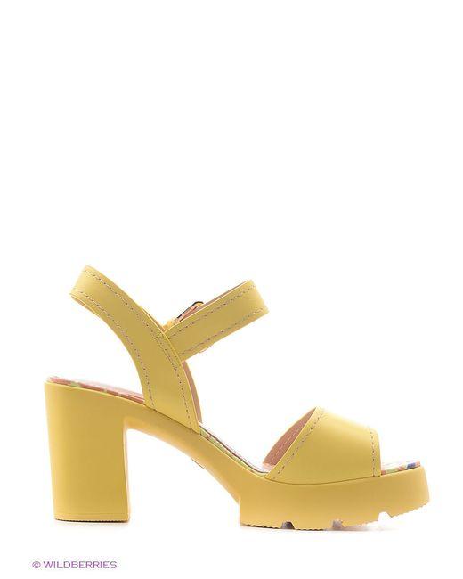 Босоножки Dino Ricci                                                                                                              желтый цвет
