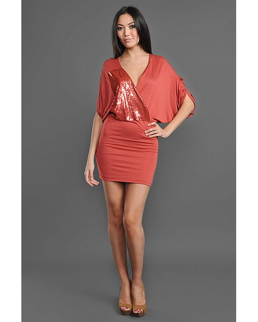 Платье Nude                                                                                                              красный цвет