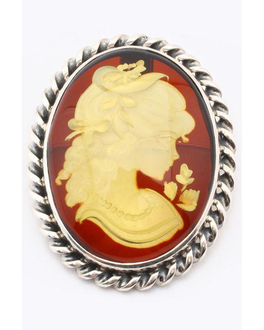 Брошь Дом Янтаря                                                                                                              золотой цвет
