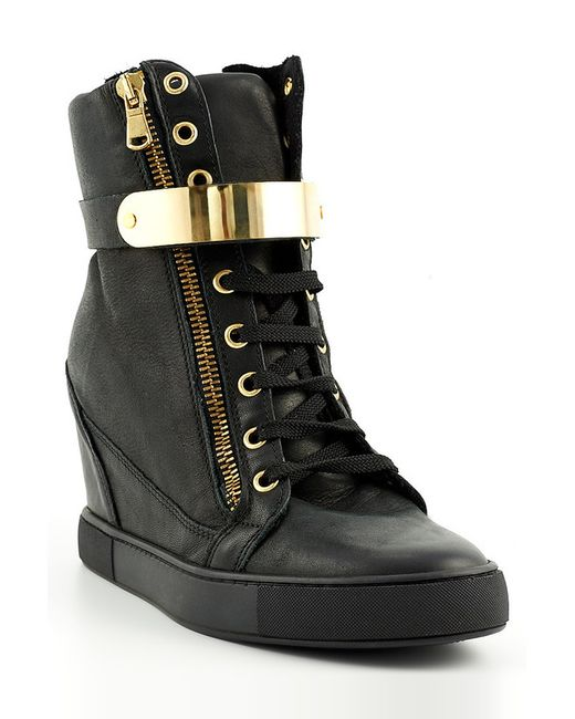 Ботинки J.FRY                                                                                                              чёрный цвет